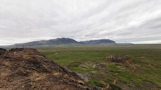 Vulkankrater Island Wandern